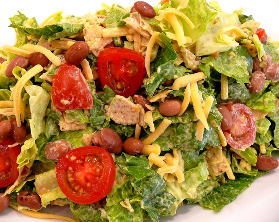 Mexican-salad-with-Creamy-Avocado-Dressing
