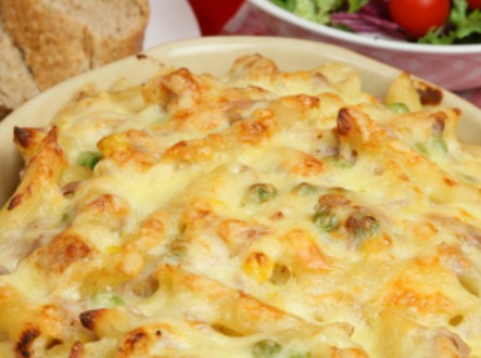 Baked penne pasta with tuna and cheese
