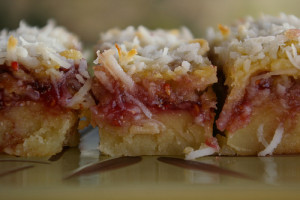 raspberry-coconut-bars