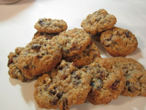 Oatmeal-raisin-cookies-1024x768