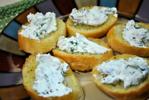fresh-herb-goat-cheese-spread-1024x685