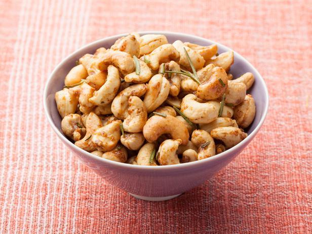 rosemary-roasted-cashews