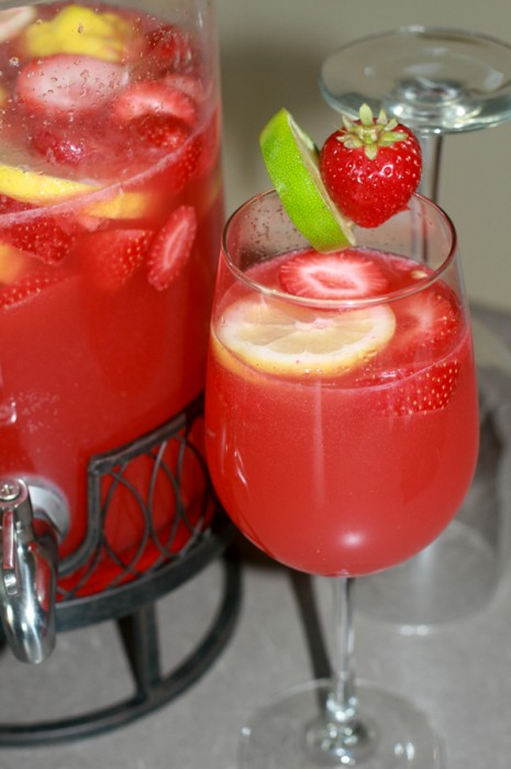 strawberry-limeade-rum-punch