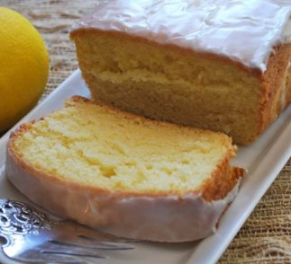 Greek Yogurt lemon pound cake