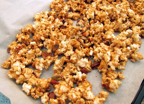 mixed nut caramel corn
