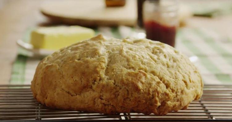 Amazingly Easy Irish Soda Bread | Rosellyn